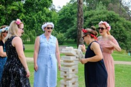 Ladies day picnic games