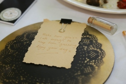 Love notes for your guest of honour