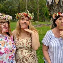 day_delights_sydney_hens_events_fun_photo_props